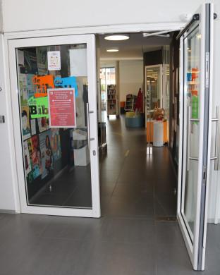 voordeur bibliotheek Ternat